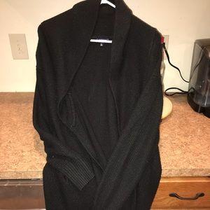 Tildon black sweater